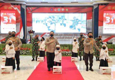 Komjen Firli Bahuri: Kita Berikan Penghargaan Kepada TNI, Polri Yang Sudah Bekerja Keras Mengendalikan Covid-19 di Jatim